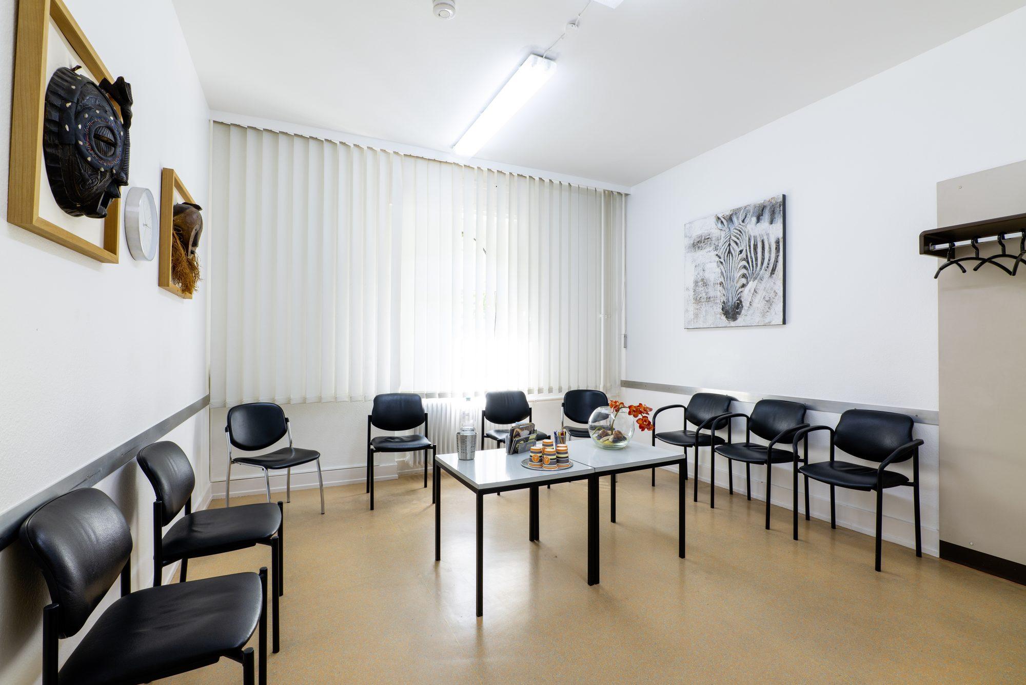 proktologiepraxis-frankfurt-Höchst Wartezimmer